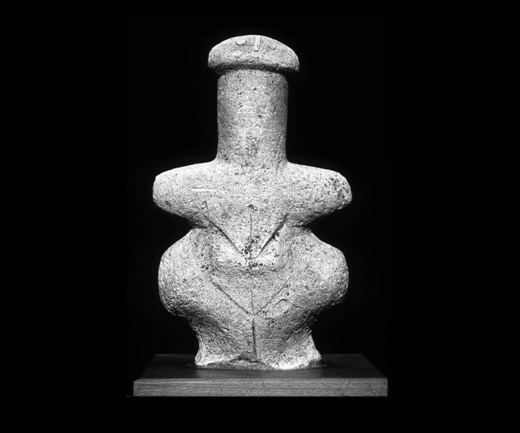 Áóâåóôïëßèéíï áãáëìÜôéï ãõíáßêáò áðü ôç ËÝìðá (3ç ÷éëéåôßá ð.÷.) Limestone female figurine; Lemba Lakkous; 3000-2500 B.C.